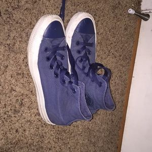Navy blue Convers